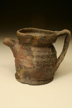 Kirk Mangus - I like the shape of the lid rim and how the handle attaches. Ceramic Teapots, Ceramic Pottery, Ceramic Art, Fire Clay, Tea Ceremony, Handmade Pottery, Wabi Sabi, Pattern Art, Creative Inspiration