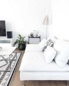 Muunneltava sohva tuo mahdollisuuksia Interior Design Styles, Living Dining Room, Kave Home, Home And Living, Contemporary Home Decor, White Decor, Simple Bedroom, Home N Decor, Home Decor