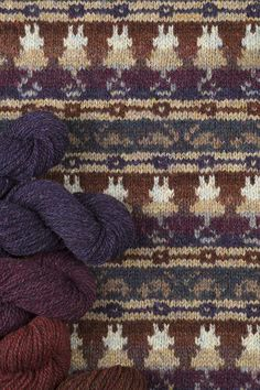 Cats & Mice blanket hand knitwear design by Jade Starmore from the book The Children's Collection Fair Isle Knitting, Lace Knitting, Knitting Ideas, Warm Colors, Colours, Cat Mouse, 2 Ply, Baby Blankets, Mice