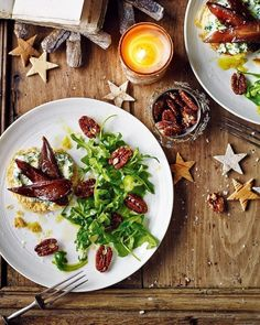 These pear, caramelised pecan and stilton tartlets are made using ready-rolled puff pastry. They are great to make as a winter or Christmas starter. Pickled Pears, Christmas Starters, Pear Recipes, Free Recipes, Vegetarian Recipes, Appetisers, Appetizer Recipes, Recipes Dinner, Food For Thought