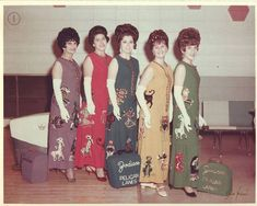Zelda and the Zodiacs Bowling Team at Pelican Lanes, New Orleans. These ladies are still a bowling team today. Old Photos, Vintage Photos, Vintage Magazine, Awkward Family Photos, Family Pictures, Middle Aged Women, Family Humor, Funny Family, Illustrations