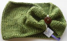 Green Knitted Cowl, Bulky Cowl Scarf, Hand Knit Acrylic Scarves, Chunky Green Cowl, Bulky Acrylic Cowl, Fall Fashion, Autumn Accessory by NeedleCraftNook on Etsy ✨Free Domestic Shipping for the Holidays no coupon needed✨