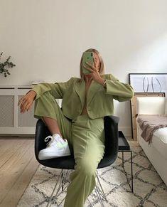 Summer Fashion Tips .Summer Fashion Tips Mode Outfits, Trendy Outfits, Fall Outfits, Fashion Outfits, Fashion Tips, Fashion Women, Fashion Hacks, Classy Fashion, 80s Fashion