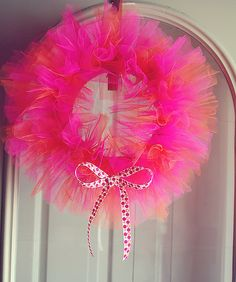 Tulle wreath for a tutu party #wreath, #DIY, #party, #decor, #tulle