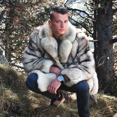 Mens Fur, Fur Coat, Photo And Video, Fur Jackets, Videos, How To Wear, Photos, Instagram, Fashion