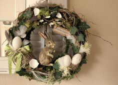 Osterhasen - Türkranz * Hase Fridolin * - ein Designerstück von KRANZundCo bei DaWanda Easter Wreaths, Christmas Wreaths, Easter Projects, Easter Party, Summer Wreath, Grapevine Wreath, Grape Vines, Party Planning, Decoration
