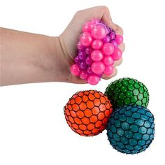 Squeeze this liquid filled stress ball and watch as different colored bubbles pop out from the mesh net. This ball provides a unique and wonderful tactile and visual experience. Fun Crafts For Kids, Crafts To Do, Easy Crafts, Arts And Crafts, Paper Crafts, Balle Anti Stress, Colored Bubbles, Stress Toys, Do It Yourself Crafts