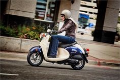 A timeless classic, the Yamaha Vino Classic offers the best of all worlds: classic design with modern engineering.