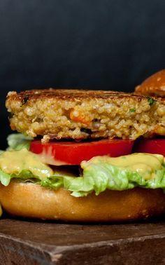 Vegetarischer Quinoa-Burger - ein echter Burgergenuss