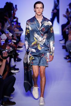 Hybrid Hawaiian shirt and satin bomber combo is fresh at Louis Vuitton Spring 2016 #menswear #style