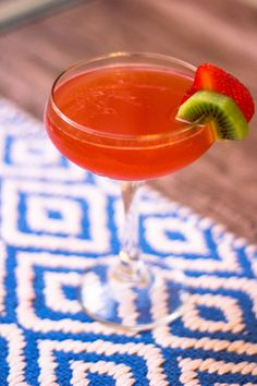 Strawberry Kiwi Margarita - TownandCountrymag.com