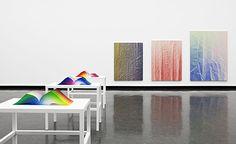 Área Visual: Tauba Auerbach. RGB Colorspace Atlas
