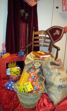 Sinterklaas decoratie op school! #stoel #goedheiligman