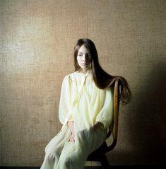 Portraits by Dutch photographer Hellen van Meene