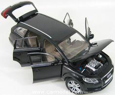 KYOSHO 09221BK 1/18 AUDI Q7 V8 4.2 FSI 4X4 2006 Skala:: 1/18Code: 09221BKFarbe: BLACKMaterial: Die-Cast