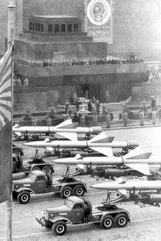 auto's van de sovjet unie die wapens dragen