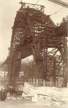 Tyne Bridge being constructed 1927/8