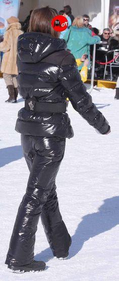 Diamond Candy Women Windproof Hooded Waterproof Rain Jacket Lightweight for Hiking Moncler Jacket Women, Rain Jacket Women, Nylons, Down Suit, Waterproof Rain Jacket, Winter Suit, Puffy Jacket, Ski Fashion, Snow Pants