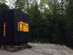 Operated by Getaway, a project by Harvard's Millennial Housing Lab, the Ovida is a tiny house in the woods of southern New Hampshire.