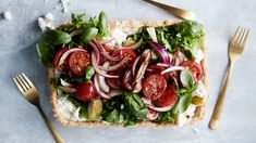 Caprese Salad, Bruschetta, Feta, Salads, Food And Drink, Ethnic Recipes, Salad, Insalata Caprese, Chopped Salads