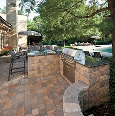 EP Henry outdoor kitchen with Coventry® Stone I in Dakota Blend