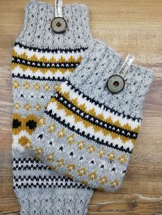 Mitten Gloves, Mittens, Boot Cuffs, Baby Knitting Patterns, Knitting Socks, Leg Warmers, Knit Crochet, Legs, Inspiration