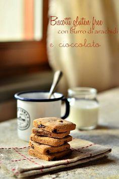Biscotti gluten free con burro di arachidi e cioccolato