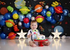 Space cake smash party - Rachel Peace Photography Boys First Birthday Party Ideas, 1st Birthday Photoshoot, Baby Boy 1st Birthday Party, 1st Birthday Cake Smash, Kids Birthday Themes, Cake Smash Photography, Space Theme, First Birthdays, Prince Birthday Party