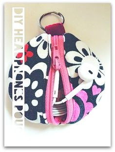 How to Sew an Earbud Keeper + Cable Tidy - Free sewing videos from A Pinch of Dainty + docrafts