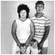 Roger Ballen  Platteland::Scrapyard Worker and Family, Central Transvaal, 1993
