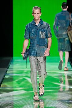 Louis Vuitton Spring Summer 2013 Men's Collection, Button Down Shirt, Men Casual, Spring Summer, Louis Vuitton, Chic, Mens Tops, Shirts, Fashion