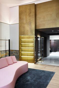 Concept-store Apropos Hamburg, men flagship, brass triptych, pink sofa, retail design by Rodolphe Parente