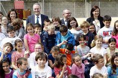 Foto de grupo en el Centro de Educación Infantil y Primaria (CEIP) 'El Perelló'