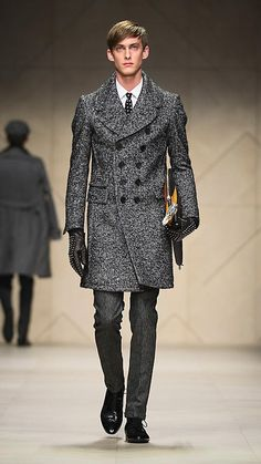 aishaneko: celestialvalkyrie: arthena: sinistersartorialist: Burberry Prorsum Menswear Autumn/Winter 2012 Runway Looks omg sexysssss O////n///O -stare- heyo Men's Fashion, Mens Fashion Week, Blazer Fashion, Mens Fashion Suits, Winter Fashion, Fashion Design, Luxury Fashion, Burberry Jacket, Burberry Men