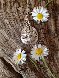 Daisy, daisy... Daisy painted with silver clay paste, fired then mounted on silver clay pendant to make it more robust. Good idea Karen!