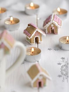 I've been dreaming of a Pink Christmas! inspiring Pink Christmas images and sources, for your viewing and dreaming pleasure. Christmas Sweets, Christmas Gingerbread, Noel Christmas, Pink Christmas, Christmas Goodies, Christmas Baking, All Things Christmas, Winter Christmas, Christmas Crafts