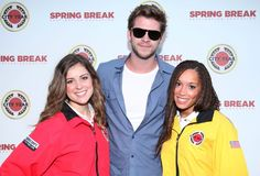 Liam Hemsworth and City Year Corps Members at City Year Los Angeles Spring Break 2012 (photo: Alex J Berliner/ AB Images