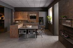 KH Küche: XTreme Metallschwarz, Keramik Rostbraun / KH kitchen: XTreme Metal black, Ceramic rust brown Black Kitchens, The Originals, Table, Furniture, Home Decor, Kitchen Black, Countertop, Metal, Get Tan