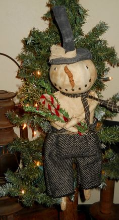 Primitive Snowman Ready to Ship by RustyThimble on Etsy, $28.49