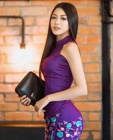 trend trendy top fashion design beauty Source by Beautiful Hijab, Beautiful Asian Women, Beautiful Ladies, Burmese Girls, Myanmar Women, Pretty Asian, Beauty Full Girl, Belleza Natural, Poses