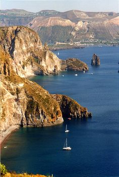 ღღ Lipari Islands, in Sicily, Italy