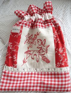 red and white embroidery- redwork - kitty drawstring bag by Norththreads Sewing Patterns Free, Free Sewing, Embroidery Patterns, Hand Embroidery, Red And White Quilts, White Fabrics, Fabric Bags, Sewing Projects For Beginners, Handmade Bags