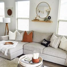 When homeowners invite guests and company into their home typically the first thing that visitors see is the living room, or family room, of the house. Unless there is a foyer before the living roo… Home Living Room, Apartment Living, Living Room Designs, Living Room Decor, Dining Room, Decor Room, Bedroom Designs, Living Spaces, Wall Decor
