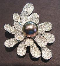 FABULOUS FLOWER! DIAMOND PETALS SURROUND GORGEOUS TAHITIAN PEARL ESTATE PIN! WOW