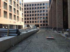 Appartementencomplex uit de steigers (4 juli 2014)