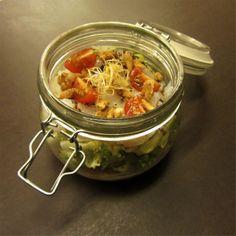 amanida: tanca, sacseja i menja! ensalada: cierra, sacude y come! salad: close, shake & eat!
