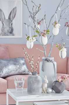 Easter decoration in the vase - Kreative Ostereier Easter Tree, Easter Wreaths, Easter Eggs, Diy Osterschmuck, Easy Diy, Easter Table Decorations, Spring Decorations, Diy Decoration, Decor Ideas