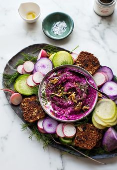 The Best Roasted Beet and Walnut Dip Focus Foods, Crudite Platter, Winter Vegetables, Roasted Beets, I Want To Eat, Easy Salads, Cooking With Kids, Sour Cream, Holiday Ideas