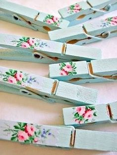 Keep Calm and DIY!: 75 of the Best Shabby Chic Home Decoration Ideas Keep Calm and DIY!: 75 of the Best Shabby Chic Home Decoration Ideas Casas Shabby Chic, Shabby Chic Vintage, Shabby Chic Crafts, Shabby Chic Kitchen, Shabby Chic Style, Shabby Chic Decor, Kitchen Country, Kitchen Small, Shabby Chic Bunting
