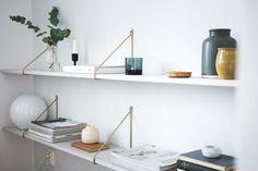 Book Shelf - Scandinavian home decor - By Jaana K Scandinavian Living, Beautiful Kitchens, Room, Shelves, Bookshelves, Scandinavian Home, Floating Shelves, Home Decor, Elegant Decor